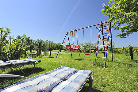 ausstattung ferienwohnung des ferienhofs janssen in westerholt. Black Bedroom Furniture Sets. Home Design Ideas